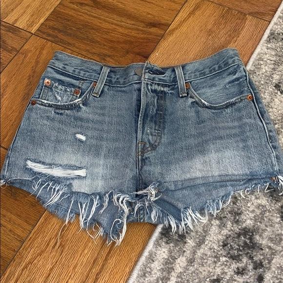 Levi's Pants - Levi 501 high rise shorts
